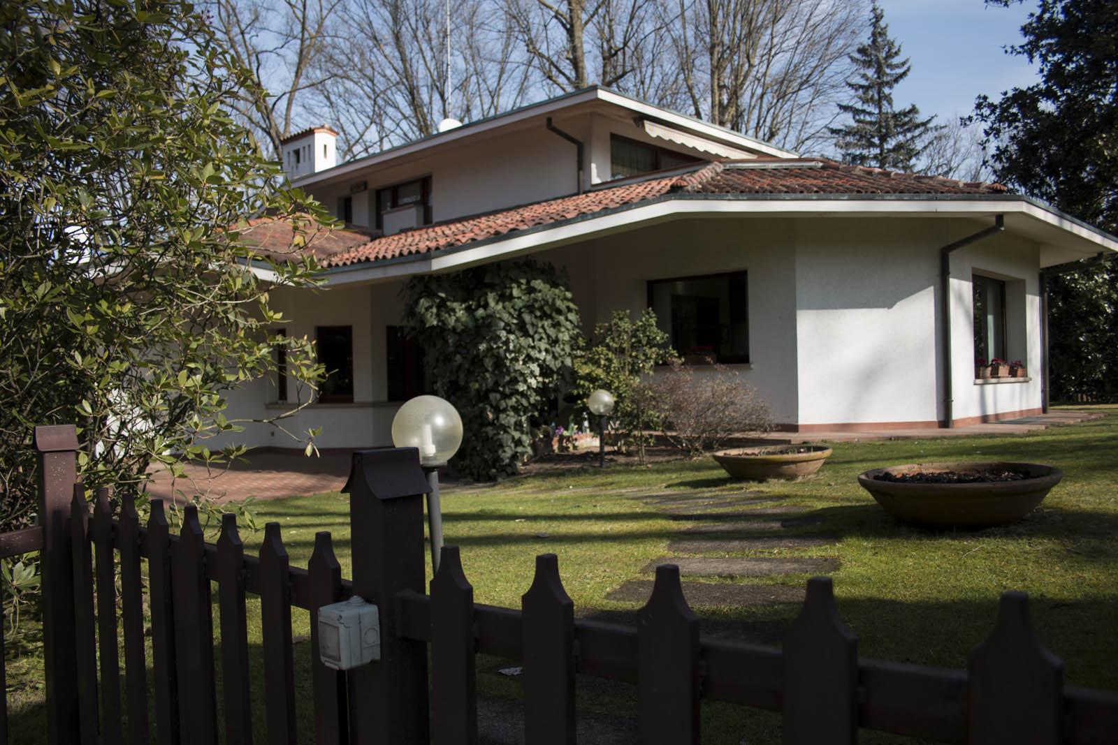 LESMO (MB) prestigiosa villa singola