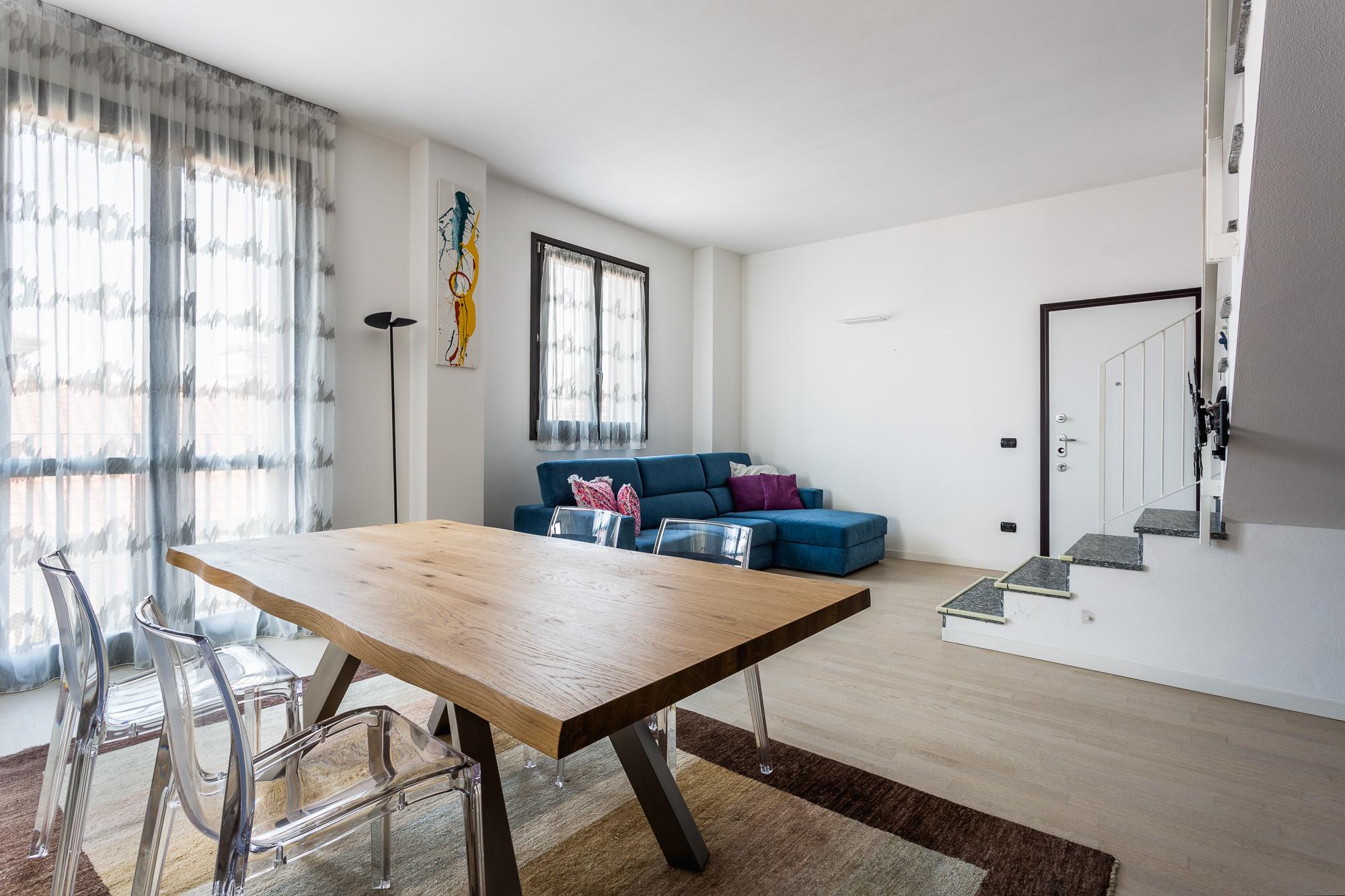 BIASSONO (MB) appartamento 3/4 locali doppi servizi